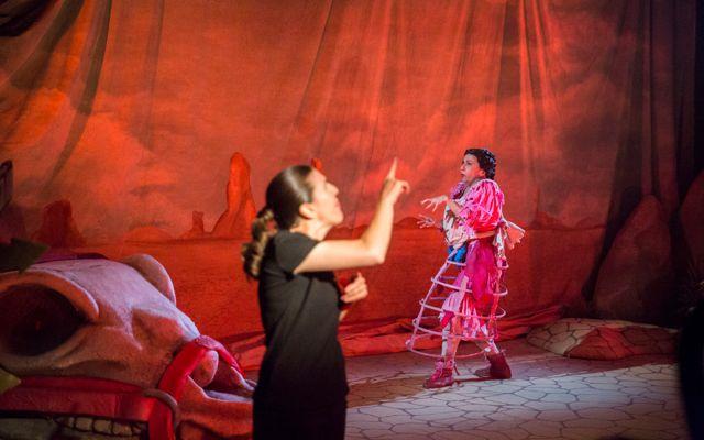 Función accesible de La madre del desierto en el Teatro Nacional Cervantes